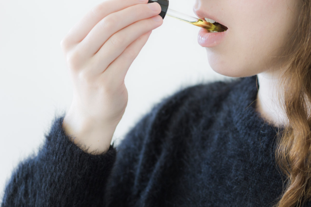 Not Feeling the Effects of CBD? Put it Under Your Tongue